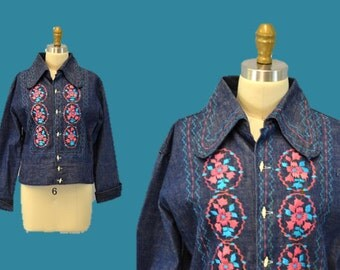 Boho jacket  1970s denim vintage hot pink turquoise embroidery Mexico festival hipster hippie casual  medium