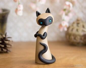 Siamese Cat Sculpture by Bonjour Poupette