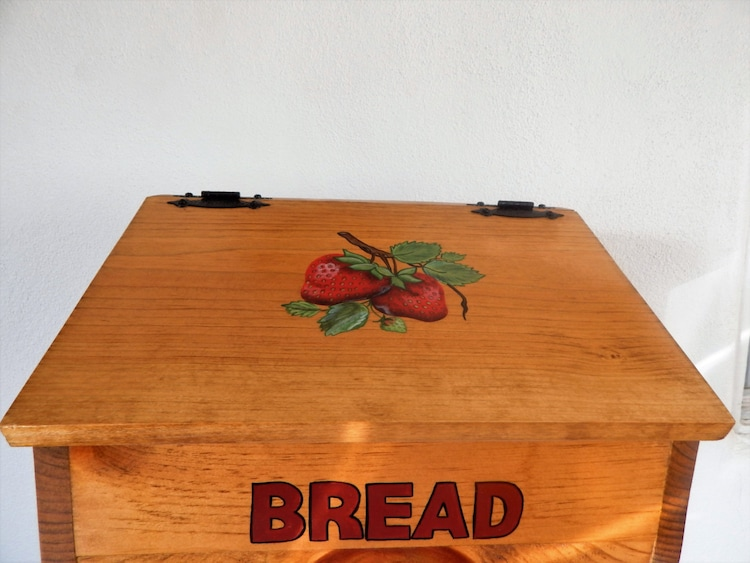 Bread box strawberry kitchen decor by sealsfamilywoodworks - Strawberry themed kitchen decor ...