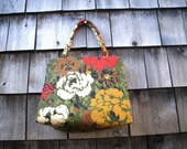 Margaret Smith 1970s Floral Purse Gardiner Maine Boxy Shape Green Gold Red White