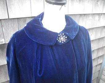 1950s Long Blue Velvet Plush Coat - Size Medium - Velour du Nord Milium Lining 3/4 Sleeve