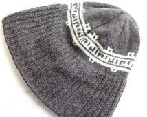 Vintage 1970's Hat // 70s 60s Knit Wool Beanie // White Brown Grey Toque