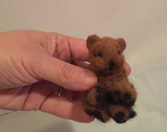 Brownie the Teddy Bear ( needle felted)