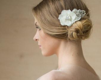 Ivory Wedding hair flower, Wedding hair accessories, Wedding hair comb, Bridal hair flower, Ivory Bridal flower, Wedding hair piece