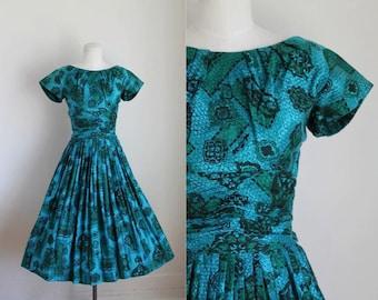 vintage 1950s party dress - MERMIAD JEWELS novelty print dress / XS