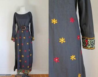 50% OFF...last call // vintage 1970s indian kaftan dress - NUPHAR LUTEA embroidery maxi dress / M