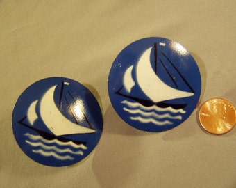 Vintage 1940s Pair Decorative Drapery Holders Blue White Sailboat Designs  8760