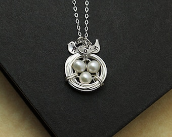 Personalized Silver Bird Nest Necklace Pendant, Mother Wife Necklace, Initial Baby Birds, Gift for Mom Sisters, Mothers' Day Gift