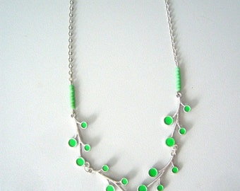 Green branches necklace