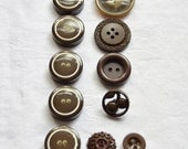 11 Vintage Buttons, Brown Buttons, Mixed Buttons, Circles, Sewing Notions, Vintage Sewing Supplies, UK Buttons