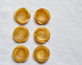 6 Vintage Buttons, Honey Buttons, Golden Brown, Circles, Sewing Notions, Vintage Sewing Supplies, UK Buttons, Set Of 6 Buttons