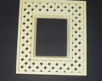Off White Lattice Frame 8X9 Molded Frame Vintage Wall Hanging Picture Frame 80s Retro Home Decor Country Garden Cottage Decor