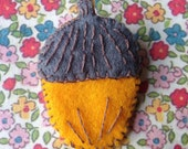 Grey & yellow autumn acorn brooch
