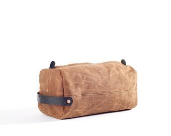 Dopp Kit: Brown