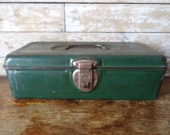 Vintage Fishing Tackle Box Green