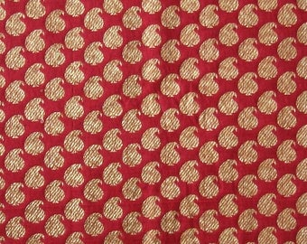 brocade fabric with red and gold paisleys - 1 yard - br089