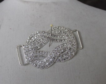 Beautiful     buckle  silver color  1  piece  listing