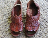 Vintage 70's Brown Woven Leather Huarache Sandals (Size 8) Wedge heel