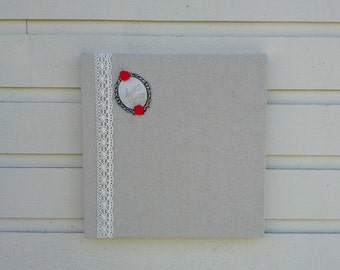 Magnet memo Board over a box style frame made with natural linen and lace, for photo display or decor