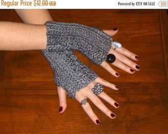 The Tweed Gray Crocheted Fingerless Gloves Wrist Warmers Super Soft Mottled Grey Unisex Handmade Simple Men's Gloves Women's gloves wristers