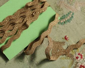 2 yards Vintage tinsel rayon trim tan gold ric rac edge making curling edge