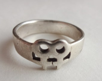 Sterling Ring with 2 Venus Symbols Size 8 1/2