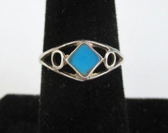 Sterling Silver & Turquoise Ring - Vintage Southwestern / Native American