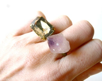 Delicate vintage stone oriental ring ( brass antiqued, indie , dream ) 01