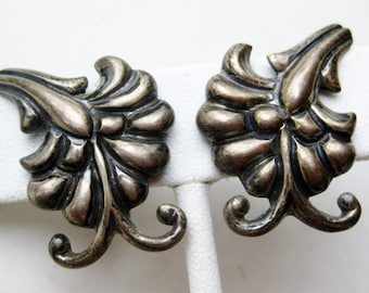 Vintage 40s Taxco Mexican Sterling Silver Doris Screwback Earrings