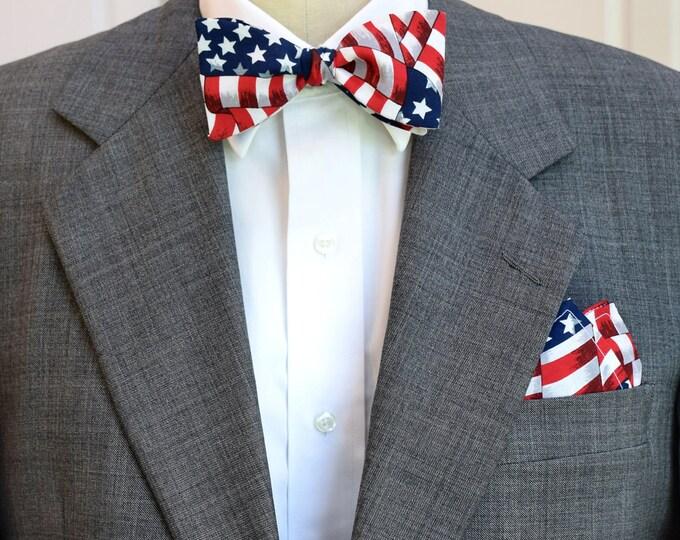 Men's Pocket Square & Bow Tie in US flag design, patriotic formal wear gift set, men's gift set, USA gift set, stylish USA bow tie set