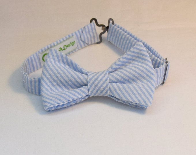 Boy's pre-tied Bow Tie in pale blue seersucker, father/son matching ties, wedding accessory, toddler bow tie, ring bearer bow tie,