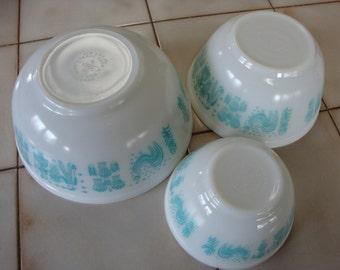 Pyrex Vintage Turquoise Amish Butterprint Mixing Bowls