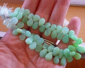 Pretty green peruvian opal pear briolette beads smooth polished 6-9mm 1/2 strand