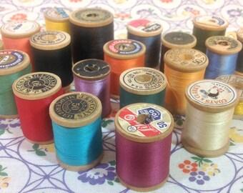 20 Vintage Wooden Thread Spools