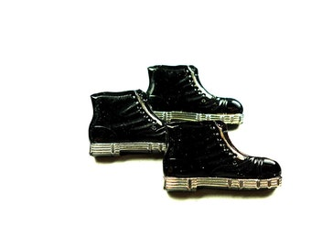 Glass buttons, shoe shaped molded black jet