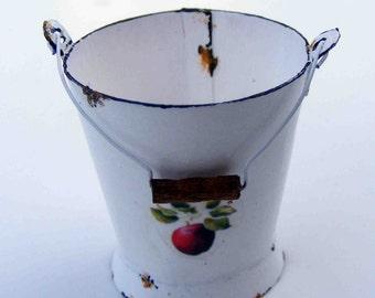 White enamel water bucket