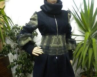 Unique - elegant ladies coat with metal zipper, made of cashmere.