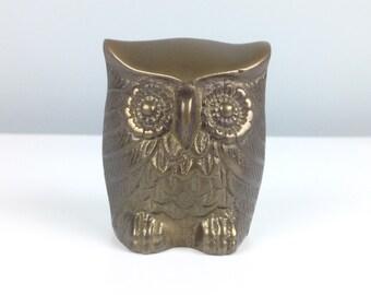Vintage Brass Owl  / Vintage Home Decor / Teacher Gift / Antique Brass / Medium Owl Gift / Owl Collector