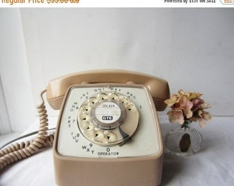 ON SALE Vintage Beige & White Rotary Phone - GTE Automatic Electric Rotary Telephone - Works Great
