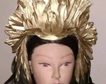 Beautiful Cleopatra serpent headdress