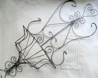 Victorian Wire Wall Hanging, Vintage Hanging Wire Basket, Wire Wall Pocket, Wall Vase, Antique Wire