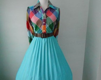VINTAGE  1960s Seafoam Green Accordion Style Pleated Full Skirt