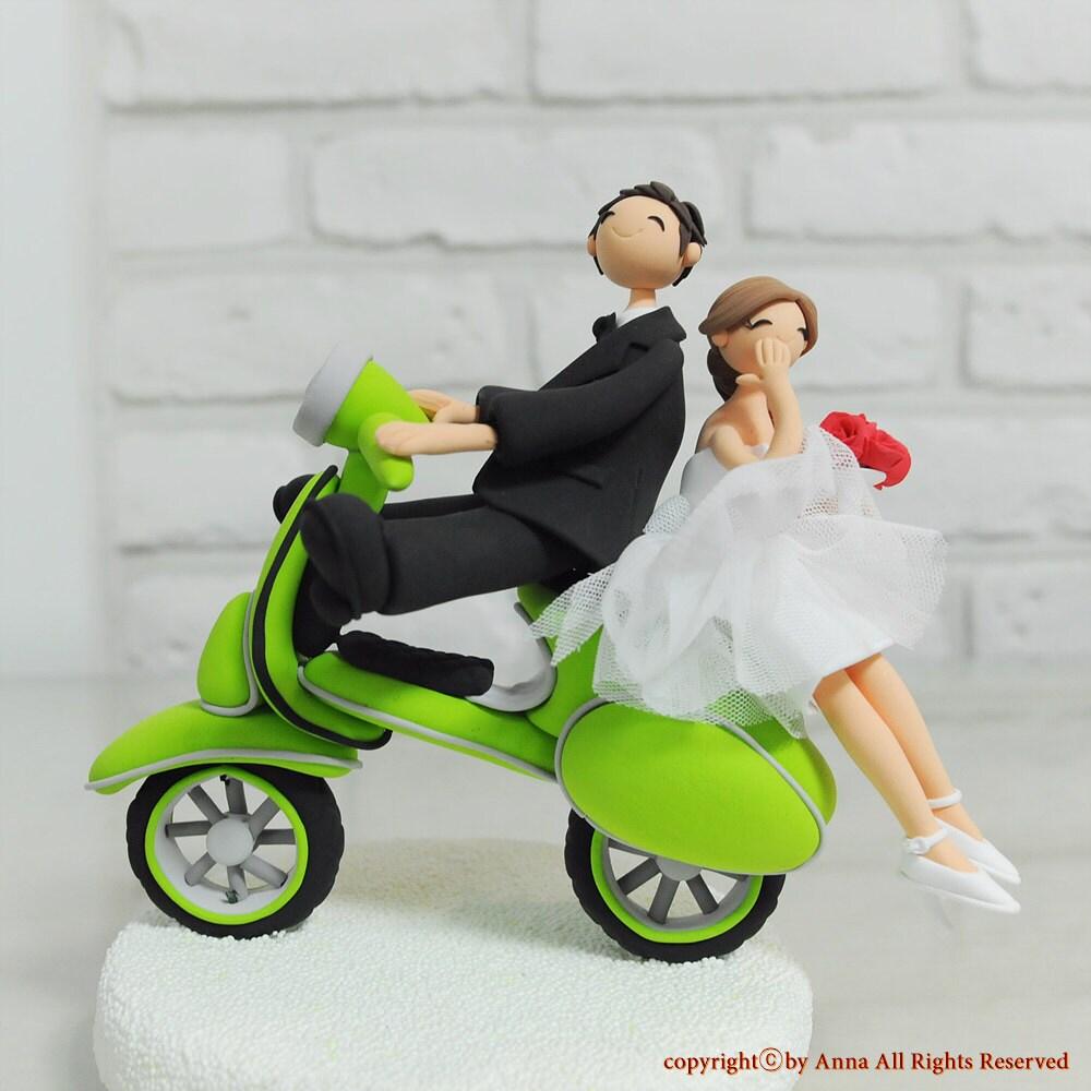 Custom cake topper vespa wedding cake topper for Vespa decoration