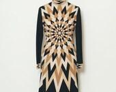 Vintage 70s Dress / 60s Dress Vintage / Dress/ Psychedelic Print / Mr dino / 70s Dress Brown Tan Knee / length / 60s designer /disco dress