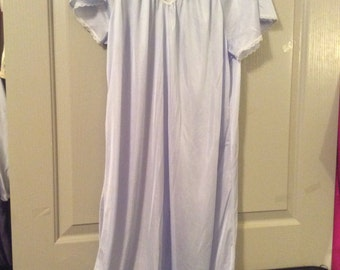Nylon nightgown knee length plus size no label flutter sleeves pale blue new