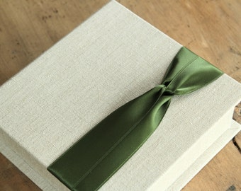 Photo Proof Box for 100 5x5 prints. Shown in Natural Linen and Moss Green.  Custom Order.