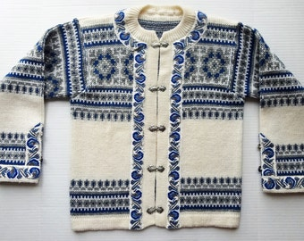 Vintage Norwegian Sweater blue off white wool cardigan pewter clasps Norway Nordic M