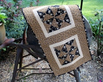 Patchwork Quilted Runner / Quilted Table Runner / Primitive Table Topper / Civil War Reproduction Black and Tan