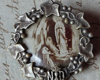 Divine antique French porte photo picture locket brooch with crown and ivy  c1900 ATTIC FIND Belle Brocante