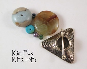Triangle Toggle with Labyrinth Pattern in Golden Bronze by Kim Fox - 2 links